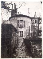 Vue du moulin transformé en habitation. Fonds d'archives de la Commission du Vieux Paris.