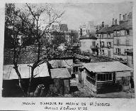 Vue du moulin au coeur de son îlot. Fonds d'archives de la Commission du Vieux Paris.